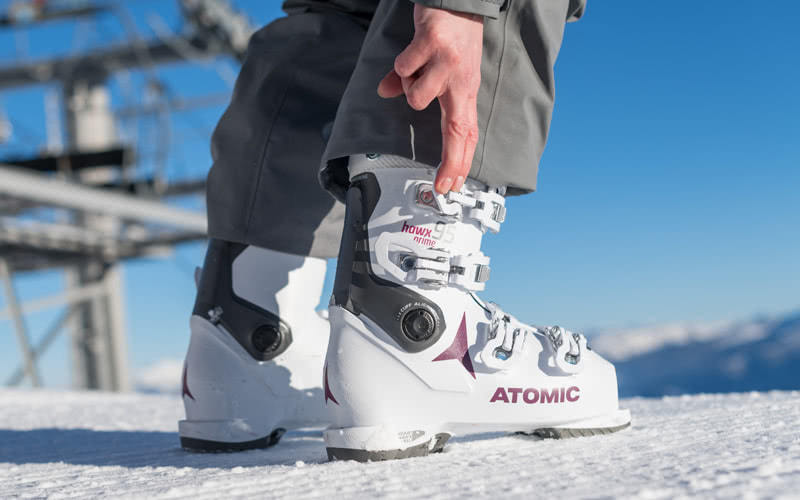 atomic skischuh 18/19